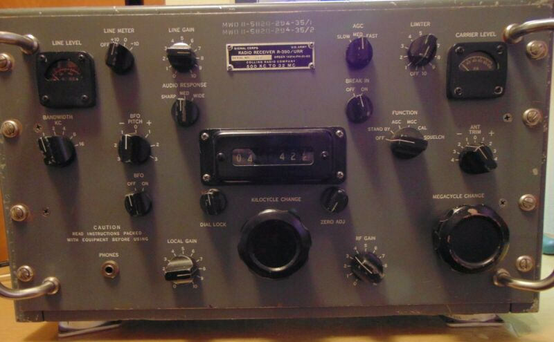 Rare Vintage Collins R-390/URR Communications Receiver Ham Radio Parts Repair