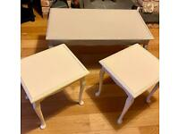 Nest of side/coffee tables