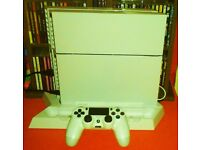 PS4 CONSOLE WHITE 500GB, 7 GAMES, DOCKING STATION, PS HEADPHONES AND 1 CONTROLLER