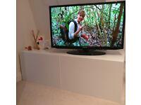 32'' Samsung TV + antenna cable