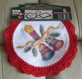 """Pair - pretty decorative CHRISTMAS DOILIES, brand new with tag, 14"""" diameter, red crochet edging"""