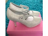 BNIB glittery diamanté shoes size 6