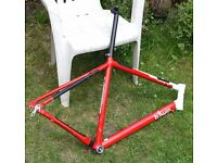 Btwin 6061 Aluminium Road Bike frame 57cm (large)