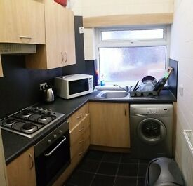 A superb 4 Bed Specious hose in Victoria Park For Professionals or Student or Family.
