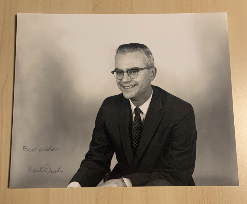 FRANK DRAKE SIGNED AUTOGRAPHED 8x10 PHOTO ASTROLOGIST EXTRATERRESTRIAL RARE COA