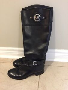Gently Worn Authentic Michael Kors Boots - Women's Size 7