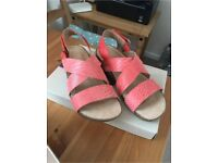 BRAND NEW IN BOX CLARKS SANDALS SIZE 38
