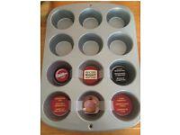 Wilton Recipe Right 12 Regular Muffin Cupcake Cake Baking Pan Non Stick Tin Tray - NEW
