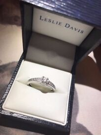 SOLID 18CT WHITE GOLD RING WITH DIAMONDS
