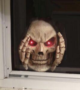 Scary Peeper RED Light-Up Reaper Peeper Decoration Halloween Window Decoration