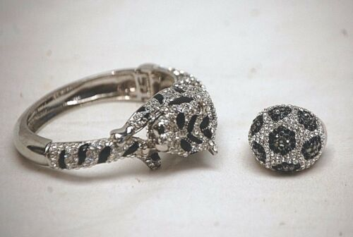 Vintage Silver Tone Rhinestone Tiger Cuff Bracelet Mushroom Ring Costume Jewelry