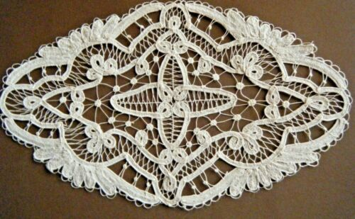 Old Antique Doily Ialian needle lace POINT TO VENISE  design hand made
