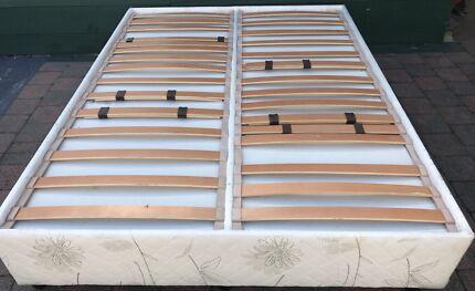 Excellent condition adjustable slatted bed base for sale. Deliver