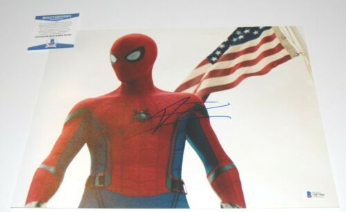 TOM HOLLAND signed (SPIDER-MAN HOMECOMING) AVENGERS 11x14 photo BECKETT COA #4