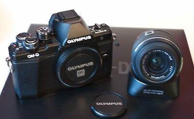 Olympus OM-D OM-D E-M10 Mark II Digitalkamera mit Objektiv 3,5-5,6 14-42mm