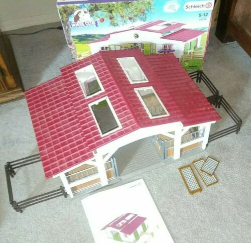 SCHLIECH Horse Barn Stables HORSE CLUB 42334 AGES 5-12 WITH BOX MANUAL pre owned