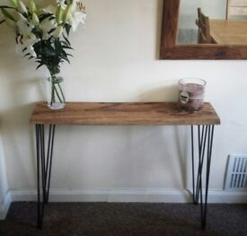 Solid oak side / hallway table with hair pin legs