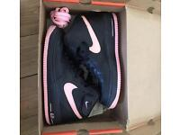 Nike Ladies airforce 1 Mid Black/Pink With Box Worn Once | Size 6