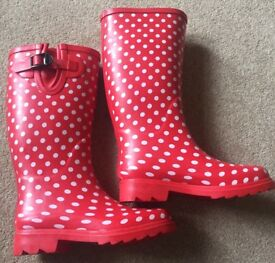 Red & White Spot Size 4 Womens Wellies