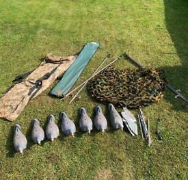 Pigeon shooting decoying kit with camo hide
