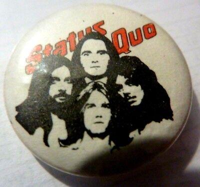 "STATUS QUO"" VINTAGE 1970s /1980s Badge 1 """