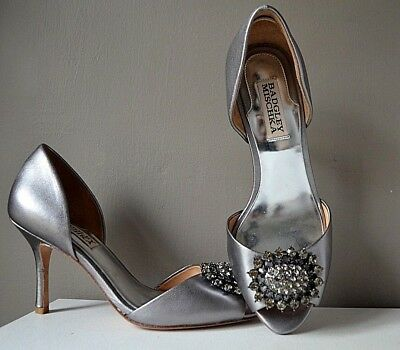 BADGLEY MISCHKA SILVER PEWTER LEATHER PEEP TOE BRIDAL HEELS with RHINESTONES