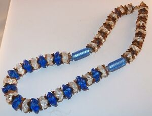 Z-VTG-ART-DECO-RUFFLED-STAMPED-METAL-COBALT-BLUE-MOLDED-GLASS-BEADS-NECKLACE