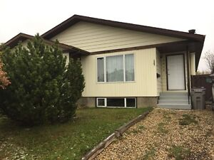 REDUCED!!! 3 BEDROOM WITH FENCED YARD