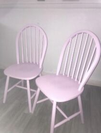 X2 wooden chairs