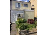 Three Double Bedroom End-of-terrace House Heston
