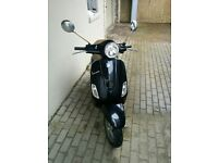 Vespa LX50 Black - Great condition - including Two helmets and Lock and New MOT