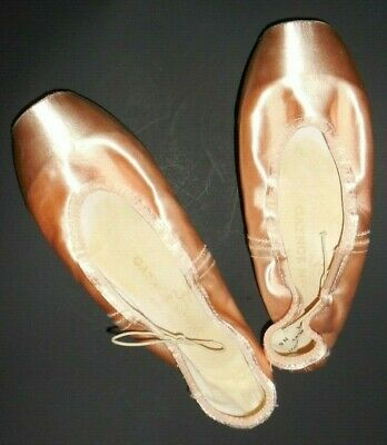 e09c5af04a68 Previously owned Gaynor Minden Pointe Shoes 9 Narrow 3 Box Hard SV Sleek  Pink