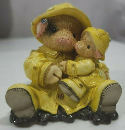 """Enesco This Little Piggy """"Showering You With Hogs"""" 1995"""
