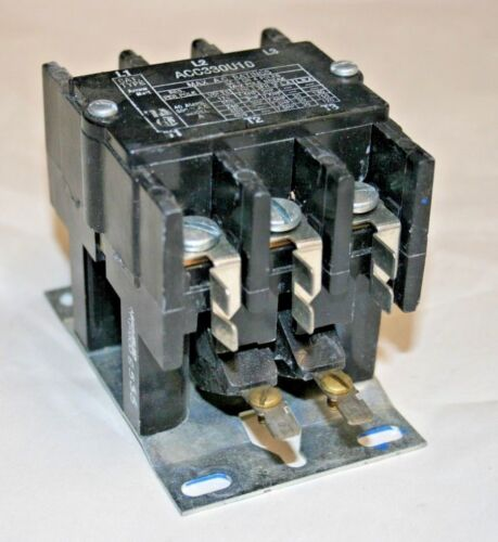 Arrow Hart® ACC330U10  40A@24VDC Coil Contactor (100-274)
