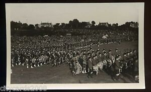 MILITARY Bands - large parade of Scottish soldiers  RP
