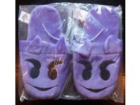 Large Pair Of 'Mucky Fingers' Slippers (new)