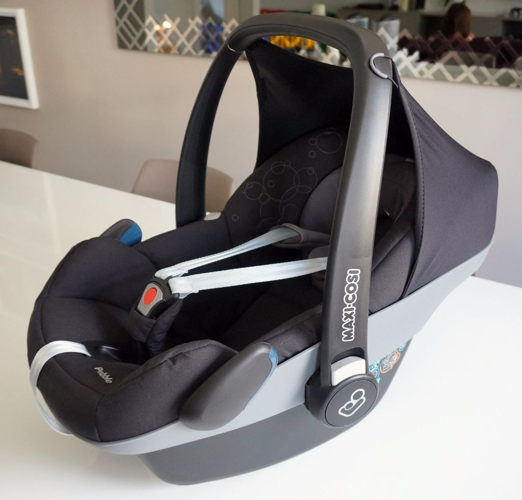 maxi cosi pebble rear facing car seat 0 13kg total jet black like new in bournemouth. Black Bedroom Furniture Sets. Home Design Ideas