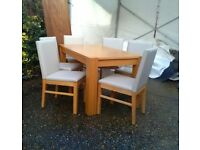 Trend Oak Chunky Dining Table With 6 Cream Leather Chairs