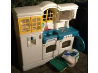 COUNTRY KITCHEN LITTLE TIKES (KIDS COMPLETE KITCHEN) BARGAIN MUST SEE LOOK !!!