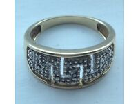 9 carat gold Greek diamond ring