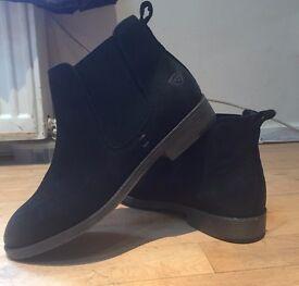 Tamaris Chelsea Black Faux Suede Boots 38