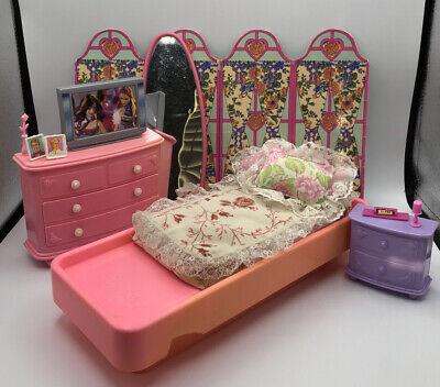 Barbie Doll VINTAGE BEDROOM DRESSER CLOCK ENDTABLE Home Furniture Playset