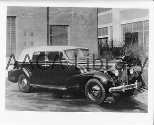 1938-Cadillac-Series-90-Fleetwood-V16-convertible-Factory-Photo-Ref-30002