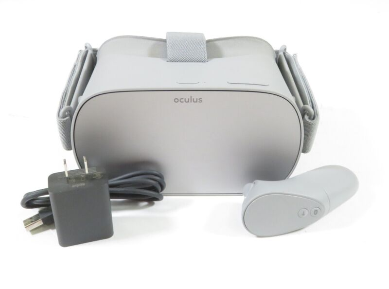 Oculus Go 64GB Stand-Alone Virtual Reality Headset MH-A64 & Controller