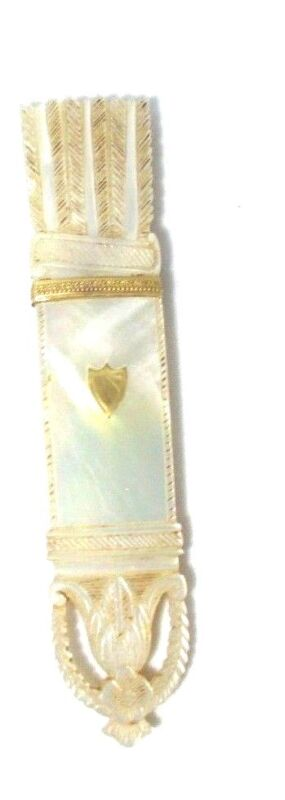 Palais Royal Mother of Pearl CaRvEd NEEDLE CASE  c1800 FRANCE ORIGINAL Antique