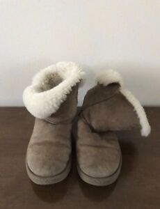 Uggs Australia Bailey Button Boots Size 8