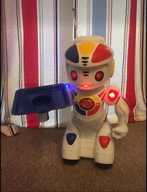 Large remote controlled robot RRP £99