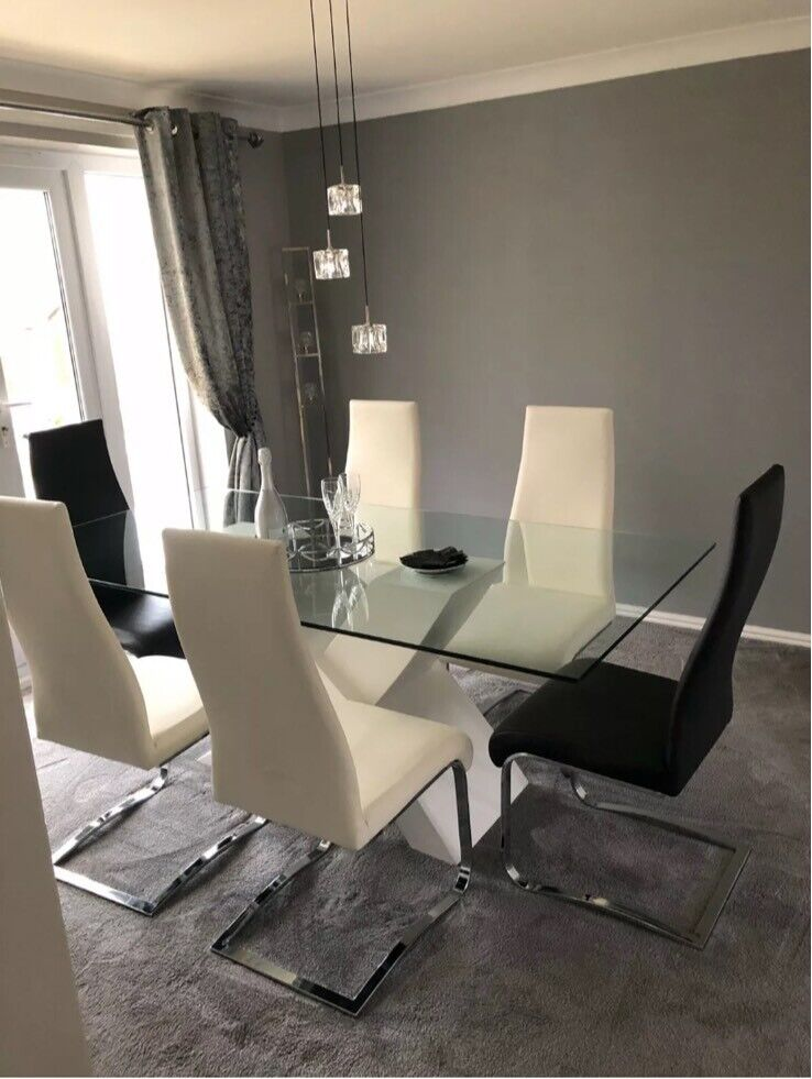 Barker and Stonehouse Dining Room Table with chairs | in ...