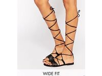 ASOS Fraternal Black Wide Fit Leather Flat Tie Lace Up Gladiator Sandals.Size 4.