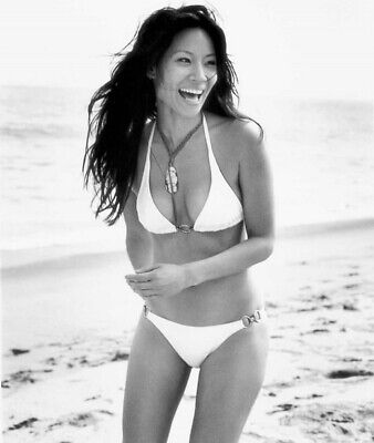 LUCY LIU - AT THE BEACH IN A BIKINI !!!